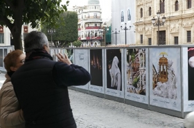 "V Muestra de fotografías vineladas en la Carrera Oficial de la Semana Santa de Sevilla (2) • <a style=""font-size:0.8em;"" href=""http://www.flickr.com/photos/129072575@N05/40272009884/"" target=""_blank"">View on Flickr</a>"