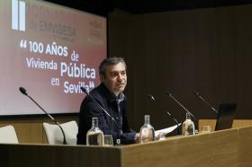 """Jornadas '100 años de vivienda pública en Sevilla' desde la Fundación Cajasol (12) • <a style=""""font-size:0.8em;"""" href=""""http://www.flickr.com/photos/129072575@N05/40488689035/"""" target=""""_blank"""">View on Flickr</a>"""