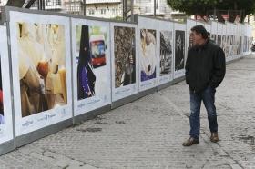 "V Muestra de fotografías vineladas en la Carrera Oficial de la Semana Santa de Sevilla (7) • <a style=""font-size:0.8em;"" href=""http://www.flickr.com/photos/129072575@N05/40272010824/"" target=""_blank"">View on Flickr</a>"