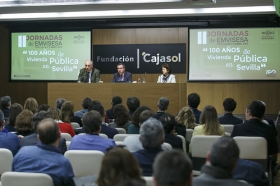 """Jornadas '100 años de vivienda pública en Sevilla' desde la Fundación Cajasol (2) • <a style=""""font-size:0.8em;"""" href=""""http://www.flickr.com/photos/129072575@N05/39574266110/"""" target=""""_blank"""">View on Flickr</a>"""