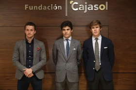 """Charla 'El cartel más sevillano' en la Fundación Cajasol • <a style=""""font-size:0.8em;"""" href=""""http://www.flickr.com/photos/129072575@N05/40121093554/"""" target=""""_blank"""">View on Flickr</a>"""