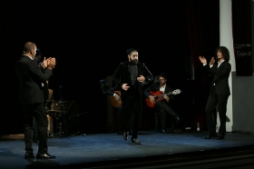 """Jueves Flamencos de la Fundación Cajasol en Sevilla: Antonio Molina 'El Choro' (27) • <a style=""""font-size:0.8em;"""" href=""""http://www.flickr.com/photos/129072575@N05/40534585315/"""" target=""""_blank"""">View on Flickr</a>"""