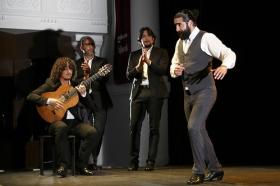 """Jueves Flamencos de la Fundación Cajasol en Sevilla: Antonio Molina 'El Choro' (39) • <a style=""""font-size:0.8em;"""" href=""""http://www.flickr.com/photos/129072575@N05/39620186490/"""" target=""""_blank"""">View on Flickr</a>"""