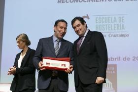 """Entrega de los V Premios Gastronómicos 'Fogones de Sevilla' en la Fundación Cajasol (8) • <a style=""""font-size:0.8em;"""" href=""""http://www.flickr.com/photos/129072575@N05/41407339041/"""" target=""""_blank"""">View on Flickr</a>"""