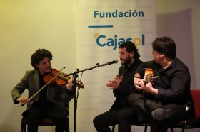 "XXXIII ciclo Conocer el Flamenco en Córdoba: Pilar Astola (7) • <a style=""font-size:0.8em;"" href=""http://www.flickr.com/photos/129072575@N05/27386147598/"" target=""_blank"">View on Flickr</a>"
