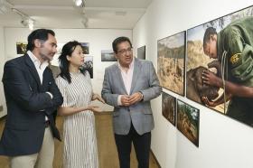 "Exposición 'World Press Photo 2018' en la Fundación Cajasol (Sevilla) (16) • <a style=""font-size:0.8em;"" href=""http://www.flickr.com/photos/129072575@N05/41696754622/"" target=""_blank"">View on Flickr</a>"