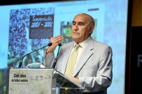 """Presentación oficial del libro 'Cien años de fútbol andaluz: Centenario de la Real Federación Andaluza de Fútbol' (9) • <a style=""""font-size:0.8em;"""" href=""""http://www.flickr.com/photos/129072575@N05/41718108540/"""" target=""""_blank"""">View on Flickr</a>"""