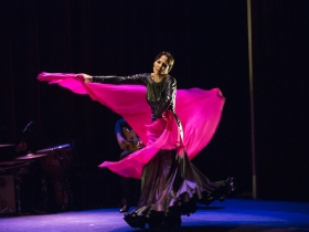 "Jueves Flamencos de la Fundación Cajasol en Sevilla: Lucía Álvarez 'La Piñona' (16) • <a style=""font-size:0.8em;"" href=""http://www.flickr.com/photos/129072575@N05/41273048330/"" target=""_blank"">View on Flickr</a>"