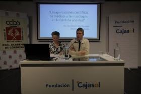 "Conferencia de Ana Cabo González en el curso 'La Córdoba Islámica' • <a style=""font-size:0.8em;"" href=""http://www.flickr.com/photos/129072575@N05/39859446100/"" target=""_blank"">View on Flickr</a>"