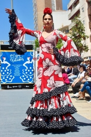 "'Cajasol de Volantes': Desfile moda flamenca 2018 en Huelva (13) • <a style=""font-size:0.8em;"" href=""http://www.flickr.com/photos/129072575@N05/40102293320/"" target=""_blank"">View on Flickr</a>"