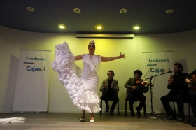 "XXXIII ciclo Conocer el Flamenco en Córdoba: Pilar Astola (8) • <a style=""font-size:0.8em;"" href=""http://www.flickr.com/photos/129072575@N05/27386147718/"" target=""_blank"">View on Flickr</a>"