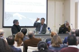 """Seminario sobre la cuarta revolución tecnológica en la Fundación Cajasol (11) • <a style=""""font-size:0.8em;"""" href=""""http://www.flickr.com/photos/129072575@N05/41426747921/"""" target=""""_blank"""">View on Flickr</a>"""