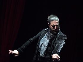 """Jueves Flamencos de la Fundación Cajasol en Sevilla: Antonio Molina 'El Choro' (5) • <a style=""""font-size:0.8em;"""" href=""""http://www.flickr.com/photos/129072575@N05/41429321341/"""" target=""""_blank"""">View on Flickr</a>"""