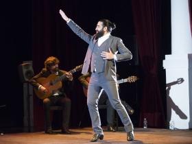 """Jueves Flamencos de la Fundación Cajasol en Sevilla: Antonio Molina 'El Choro' • <a style=""""font-size:0.8em;"""" href=""""http://www.flickr.com/photos/129072575@N05/41429321061/"""" target=""""_blank"""">View on Flickr</a>"""