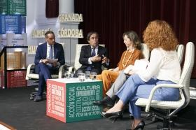 """Presentación de la Memoria 2017 de la Fundación Cajasol (14) • <a style=""""font-size:0.8em;"""" href=""""http://www.flickr.com/photos/129072575@N05/28269823658/"""" target=""""_blank"""">View on Flickr</a>"""