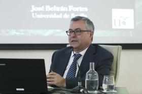 """Conferencia de José Beltrán Fortes en el Seminario sobre Itálica en la Fundación Cajasol (8) • <a style=""""font-size:0.8em;"""" href=""""http://www.flickr.com/photos/129072575@N05/41422082624/"""" target=""""_blank"""">View on Flickr</a>"""