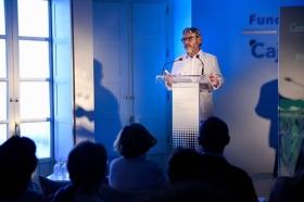 """Presentación del poemario de Nicolás Guillén en la Fundación Cajasol (4) • <a style=""""font-size:0.8em;"""" href=""""http://www.flickr.com/photos/129072575@N05/41239576044/"""" target=""""_blank"""">View on Flickr</a>"""