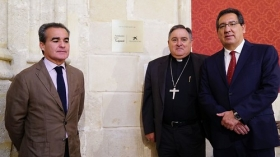 "Visita institucional a la Iglesia de Santiago en Jerez • <a style=""font-size:0.8em;"" href=""http://www.flickr.com/photos/129072575@N05/43097378652/"" target=""_blank"">View on Flickr</a>"