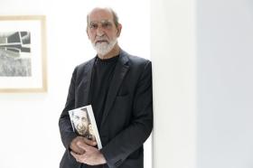 """Presentación del libro 'Leonard Cohen y el Zen' en Sevilla • <a style=""""font-size:0.8em;"""" href=""""http://www.flickr.com/photos/129072575@N05/42251059795/"""" target=""""_blank"""">View on Flickr</a>"""