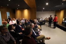 """Debate sobre los apartamentos turísticos en Córdoba desde la Fundación Cajasol (2) • <a style=""""font-size:0.8em;"""" href=""""http://www.flickr.com/photos/129072575@N05/40684138835/"""" target=""""_blank"""">View on Flickr</a>"""