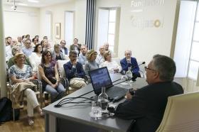 """Conferencia de José Beltrán Fortes en el Seminario sobre Itálica en la Fundación Cajasol (3) • <a style=""""font-size:0.8em;"""" href=""""http://www.flickr.com/photos/129072575@N05/28269966388/"""" target=""""_blank"""">View on Flickr</a>"""