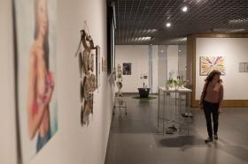 """III Exposición 'El arte y los patios cordobeses' en la Fundación Cajasol (3) • <a style=""""font-size:0.8em;"""" href=""""http://www.flickr.com/photos/129072575@N05/40074741470/"""" target=""""_blank"""">View on Flickr</a>"""