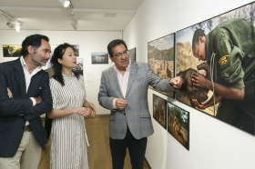 "Exposición 'World Press Photo 2018' en la Fundación Cajasol (Sevilla) (17) • <a style=""font-size:0.8em;"" href=""http://www.flickr.com/photos/129072575@N05/41696754822/"" target=""_blank"">View on Flickr</a>"
