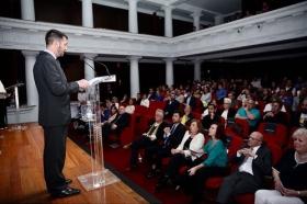 """Entrega de los VII Premios por la Igualdad Adriano Antinoo en la Fundación Cajasol (4) • <a style=""""font-size:0.8em;"""" href=""""http://www.flickr.com/photos/129072575@N05/42072991331/"""" target=""""_blank"""">View on Flickr</a>"""