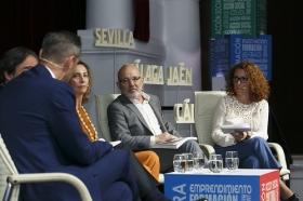 """Presentación de la Memoria 2017 de la Fundación Cajasol (9) • <a style=""""font-size:0.8em;"""" href=""""http://www.flickr.com/photos/129072575@N05/28269824228/"""" target=""""_blank"""">View on Flickr</a>"""
