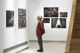 "Exposición 'World Press Photo 2018' en la Fundación Cajasol (Sevilla) (6) • <a style=""font-size:0.8em;"" href=""http://www.flickr.com/photos/129072575@N05/39929783210/"" target=""_blank"">View on Flickr</a>"