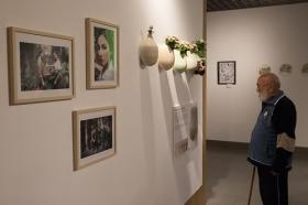 """III Exposición 'El arte y los patios cordobeses' en la Fundación Cajasol (5) • <a style=""""font-size:0.8em;"""" href=""""http://www.flickr.com/photos/129072575@N05/40074741640/"""" target=""""_blank"""">View on Flickr</a>"""