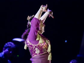 "Jueves Flamencos de la Fundación Cajasol en Sevilla: Manuela Carpio (13) • <a style=""font-size:0.8em;"" href=""http://www.flickr.com/photos/129072575@N05/41289940305/"" target=""_blank"">View on Flickr</a>"