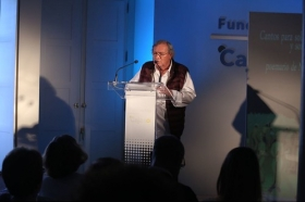 """Presentación del poemario de Nicolás Guillén en la Fundación Cajasol (8) • <a style=""""font-size:0.8em;"""" href=""""http://www.flickr.com/photos/129072575@N05/41913420502/"""" target=""""_blank"""">View on Flickr</a>"""
