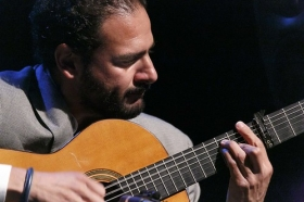 "Jueves Flamencos de la Fundación Cajasol en Sevilla: Jesús Méndez (34) • <a style=""font-size:0.8em;"" href=""http://www.flickr.com/photos/129072575@N05/42110913004/"" target=""_blank"">View on Flickr</a>"