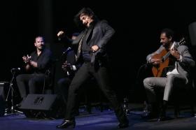 "Jueves Flamencos de la Fundación Cajasol en Sevilla: Jesús Méndez (27) • <a style=""font-size:0.8em;"" href=""http://www.flickr.com/photos/129072575@N05/42110911744/"" target=""_blank"">View on Flickr</a>"