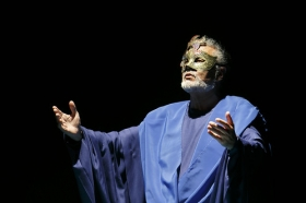 """Representación de 'El Gran Teatro del Mundo' en la Fundación Cajasol • <a style=""""font-size:0.8em;"""" href=""""http://www.flickr.com/photos/129072575@N05/42510217931/"""" target=""""_blank"""">View on Flickr</a>"""