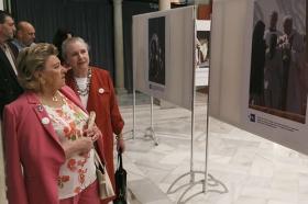 """Exposición 'Un Santo en Sevilla. 25 años, 25 huellas del Papa Juan Pablo II' (17) • <a style=""""font-size:0.8em;"""" href=""""http://www.flickr.com/photos/129072575@N05/28637046858/"""" target=""""_blank"""">View on Flickr</a>"""
