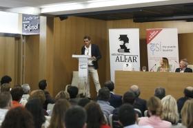 """Presentación del libro 'Hoy sí me puedo levantar', de Roberto Arrocha (2) • <a style=""""font-size:0.8em;"""" href=""""http://www.flickr.com/photos/129072575@N05/41958255855/"""" target=""""_blank"""">View on Flickr</a>"""