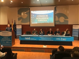 "II Jornada de Inteligencia Turística de Toledo (2) • <a style=""font-size:0.8em;"" href=""http://www.flickr.com/photos/129072575@N05/42656390162/"" target=""_blank"">View on Flickr</a>"