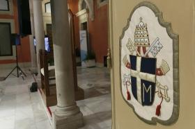 """Exposición 'Un Santo en Sevilla. 25 años, 25 huellas del Papa Juan Pablo II' (21) • <a style=""""font-size:0.8em;"""" href=""""http://www.flickr.com/photos/129072575@N05/41607686575/"""" target=""""_blank"""">View on Flickr</a>"""