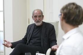 """Presentación del libro 'Leonard Cohen y el Zen' en Sevilla (8) • <a style=""""font-size:0.8em;"""" href=""""http://www.flickr.com/photos/129072575@N05/42251060865/"""" target=""""_blank"""">View on Flickr</a>"""