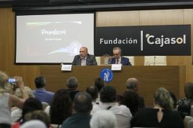 """Entrega del IV Premio Ángel Solidario 'José María Trancoso' en la Fundación Cajasol (14) • <a style=""""font-size:0.8em;"""" href=""""http://www.flickr.com/photos/129072575@N05/42621043074/"""" target=""""_blank"""">View on Flickr</a>"""
