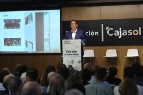 """Presentación oficial del libro 'Cien años de fútbol andaluz: Centenario de la Real Federación Andaluza de Fútbol' (16) • <a style=""""font-size:0.8em;"""" href=""""http://www.flickr.com/photos/129072575@N05/41718109140/"""" target=""""_blank"""">View on Flickr</a>"""
