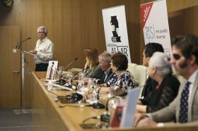 """Presentación del libro 'Hoy sí me puedo levantar', de Roberto Arrocha (10) • <a style=""""font-size:0.8em;"""" href=""""http://www.flickr.com/photos/129072575@N05/41958257745/"""" target=""""_blank"""">View on Flickr</a>"""
