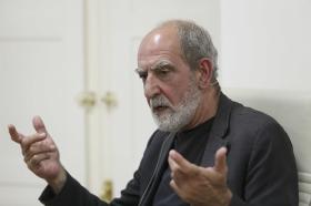 """Presentación del libro 'Leonard Cohen y el Zen' en Sevilla (4) • <a style=""""font-size:0.8em;"""" href=""""http://www.flickr.com/photos/129072575@N05/42251060225/"""" target=""""_blank"""">View on Flickr</a>"""