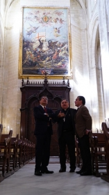"Visita institucional a la Iglesia de Santiago en Jerez (3) • <a style=""font-size:0.8em;"" href=""http://www.flickr.com/photos/129072575@N05/42428792104/"" target=""_blank"">View on Flickr</a>"