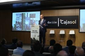 """Presentación oficial del libro 'Cien años de fútbol andaluz: Centenario de la Real Federación Andaluza de Fútbol' (5) • <a style=""""font-size:0.8em;"""" href=""""http://www.flickr.com/photos/129072575@N05/42621649815/"""" target=""""_blank"""">View on Flickr</a>"""