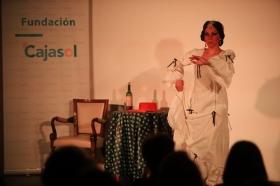"Del Teatro al Cole 2018 en Córdoba: 'Sinsabores de una bata de cola' (7) • <a style=""font-size:0.8em;"" href=""http://www.flickr.com/photos/129072575@N05/29608049927/"" target=""_blank"">View on Flickr</a>"