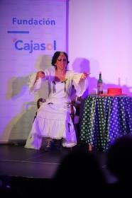 "Del Teatro al Cole 2018 en Córdoba: 'Sinsabores de una bata de cola' (2) • <a style=""font-size:0.8em;"" href=""http://www.flickr.com/photos/129072575@N05/29608049667/"" target=""_blank"">View on Flickr</a>"