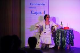 "Del Teatro al Cole 2018 en Córdoba: 'Sinsabores de una bata de cola' (8) • <a style=""font-size:0.8em;"" href=""http://www.flickr.com/photos/129072575@N05/30675905738/"" target=""_blank"">View on Flickr</a>"